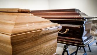Karawan pogrzebowy służy do transportu zwłok, towarów czy ludzi? Trybunał musiał rozwiązać wątpliwości