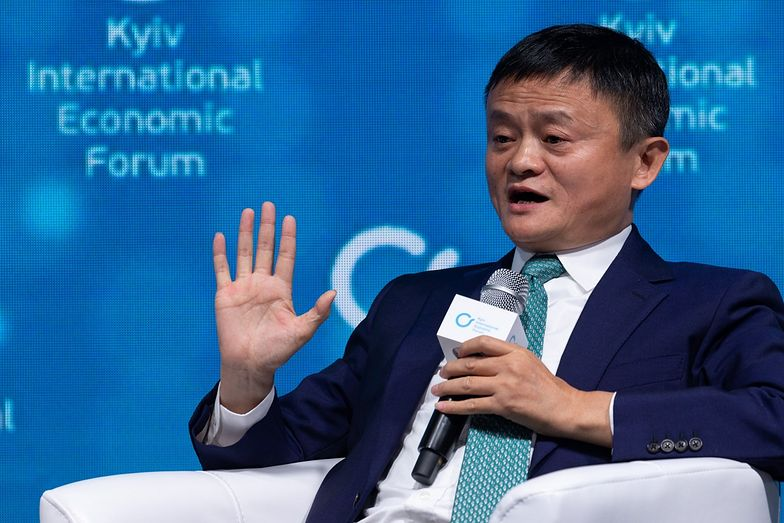 Chiny. Miliarder ofiaruje miliony dolarów na walkę z koronawirusem
