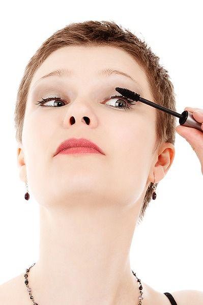 Najpierw eyeliner, potem tusz do rzęs