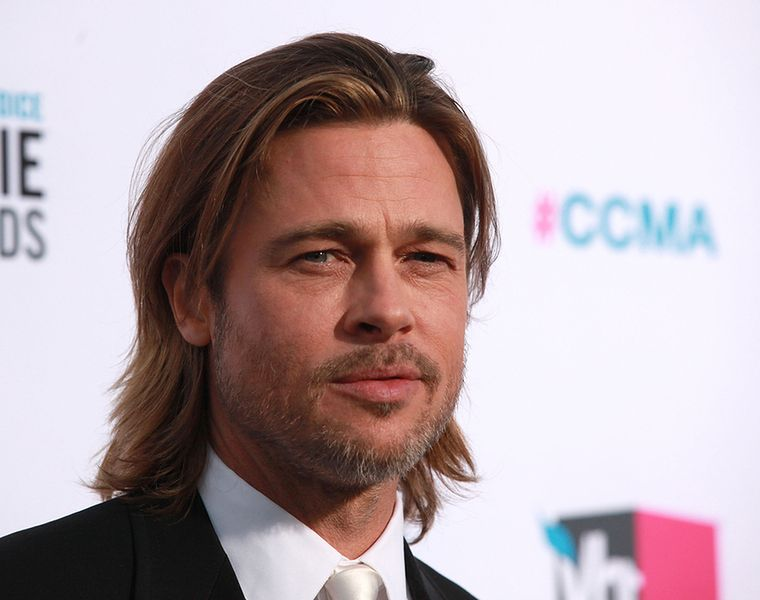 Brad Pitt - blizny po trądziku