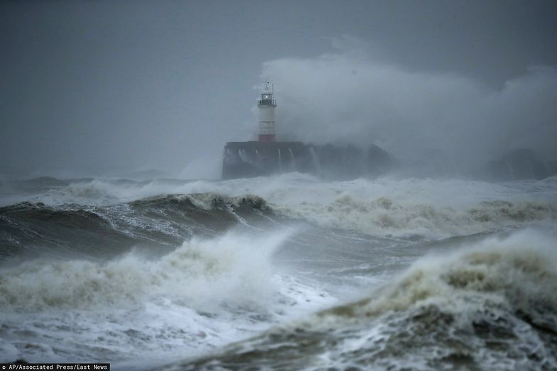 Pogoda. Ciara. Huraganowy wiatr powoduje ogromne szkody