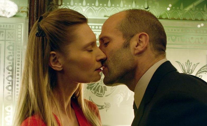 "Agata Buzek i Jason Statham w filmie ""Koliber"""