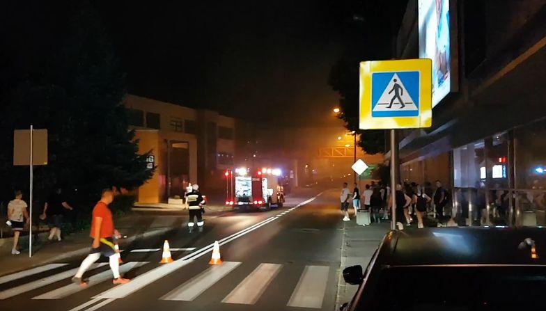Akcja gaśnicza przed uczelnią Collegium Polonicum w Słubicach