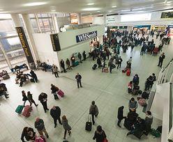 Wpadka ochrony na lotnisku Gatwick. Pasażer wszedł do samolotu i zamknął się w toalecie