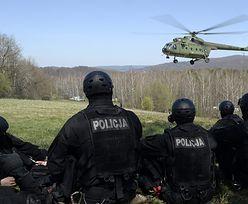 """Policyjnym antyterrorystom granaty wypadły ze śmigłowca. """"Nie dotykać ich"""""""