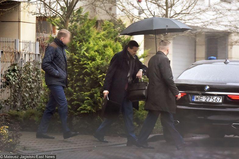 """Tak wyglądał pierwszy poranek kandydata na premiera. Morawiecki od rana """"na łączach"""""""