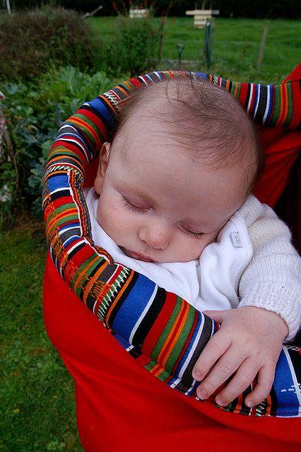 Dziecko noszone w chuście