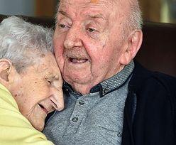 """Ma 98 lat i opiekuje się chorym synem. """"Nigdy nie przestaje się być mamą"""""""