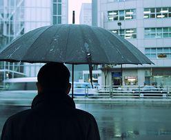 W wielu miejscach popada deszcz i deszcz ze śniegiem. Prognoza na wtorek