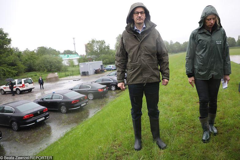 Premier Morawiecki w krakowskiej dzielnicy Bieżanów. Ledwo wyjechał, rzeka wylała