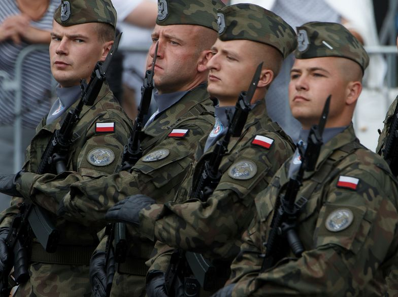 """Nowe wojsko oferuje 300 zł miesięcznie """"za gotowość"""""""