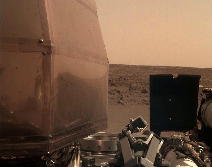 Selfie z Marsa. NASA publikuje pierwsze zdjęcie
