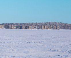 """Finowie nie wierzyli oczom. Na zamarzniętym jeziorze wyrosła """"wyspa"""""""