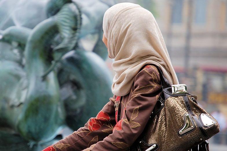 Pozwała Bawarię, bo zabroniono jej nosić hidżab