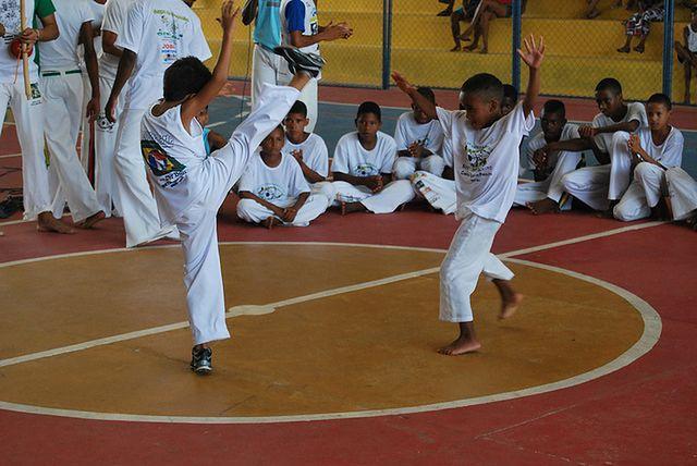 Przyjemne ćwiczenia - capoeira