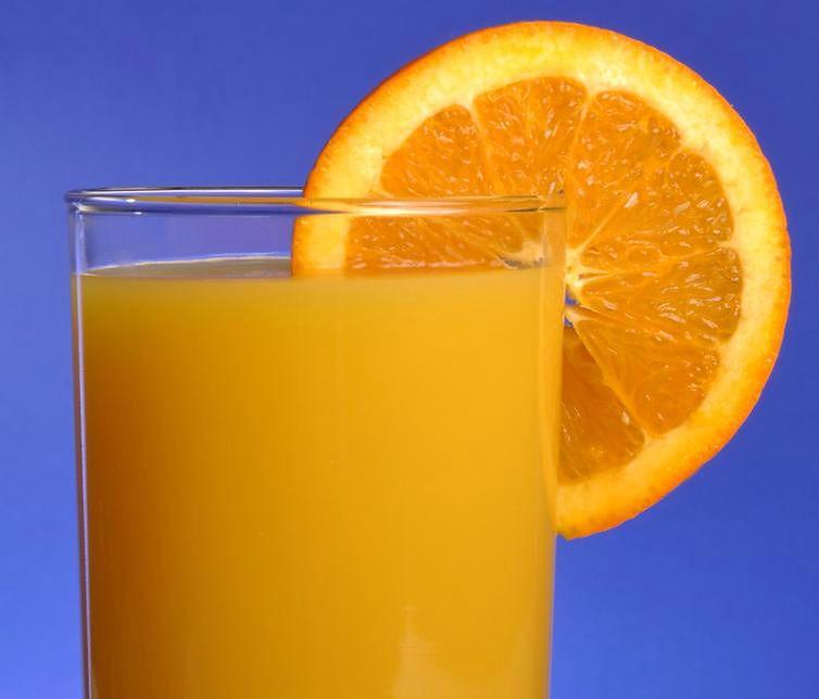 Zdrowe napoje - świeże soki owocowe
