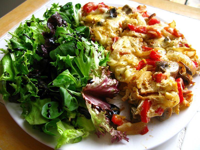 Dieta wegetariańska - omlet z warzywami