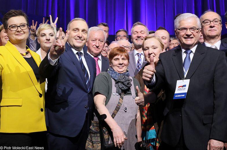 Janina Ochojska z politykami Koalicji Europejskiej.