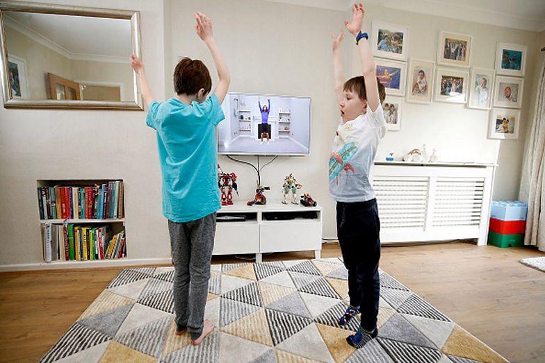 Ćwiczenia w domu. Pajacyki poprawią twój metabolizm i samopoczucie