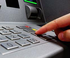 Przejmują kontrolę nad bankomatami i każą wypłacać pieniądze. Ataki nie ustają