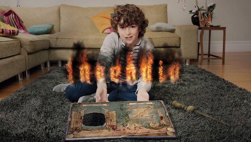 Dziecko w czasie gry Wonderbook