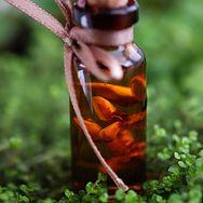 Buteleczka olejku jojoba