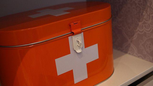 Udzielanie pierwszej pomocy - apteczka