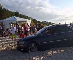 Polak potrafi! Audi wjechało na plażę, ale wyjechać już nie dało rady