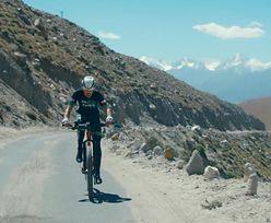 Polak wygrał wyścig na najwyżej położonej drodze na świecie. Rywale zostali zdeklasowani