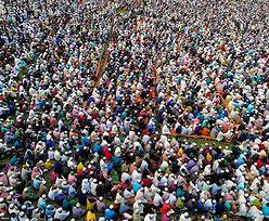 Bangladesz. Masowe modły o ochronę przed epidemią