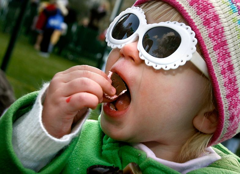 Tak reaguje twój organizm po dwóch jajkach z czekolady