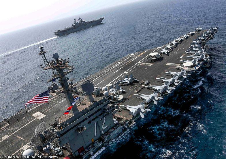 USS Abraham Lincoln płynie w kierunku Zatoki Perskiej