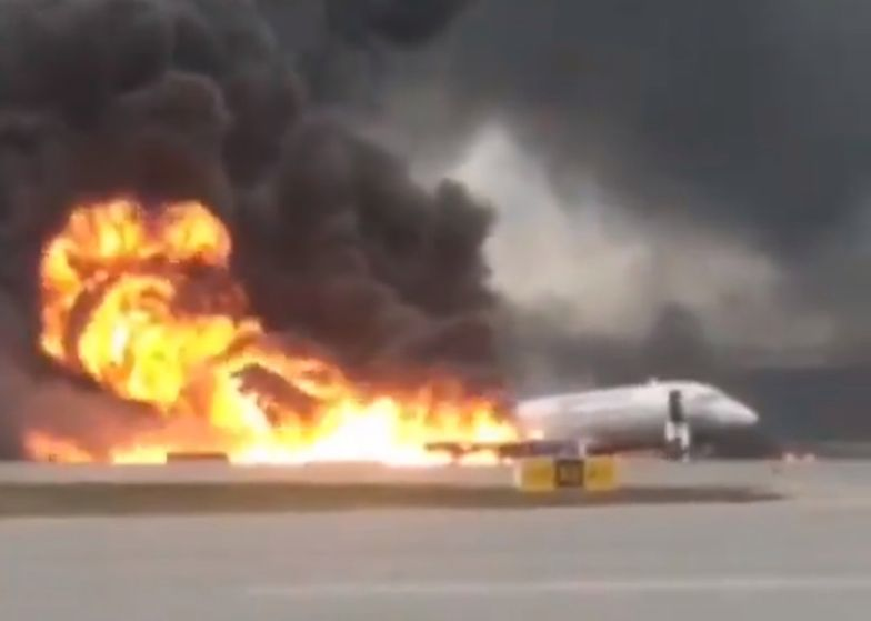 Płonący samolot, Moskwa