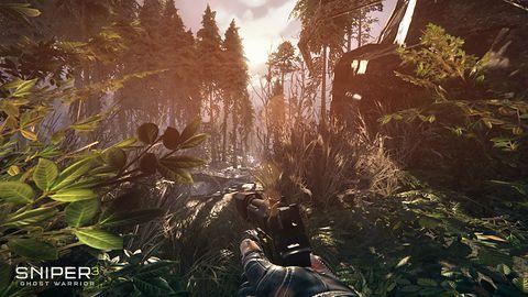 Sniper Ghost Warrior 3 wychyla się zza krzaków