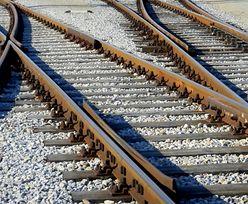 Bangladesz. Pociąg spadł z mostu. Są ofiary śmiertelne i ranni