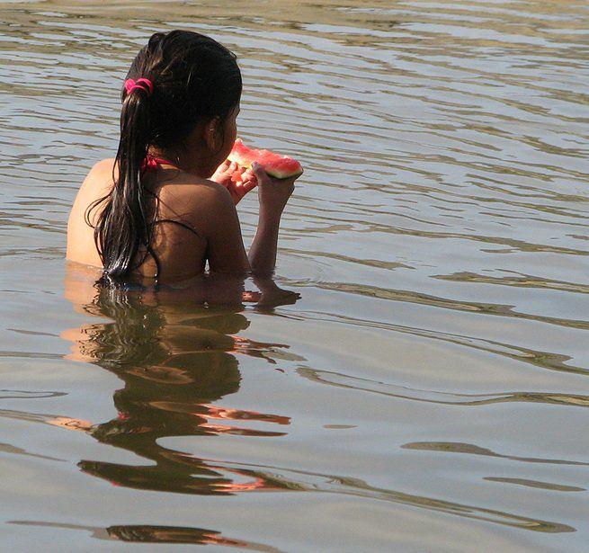 Bezpieczna kąpiel w morzu - posiłki