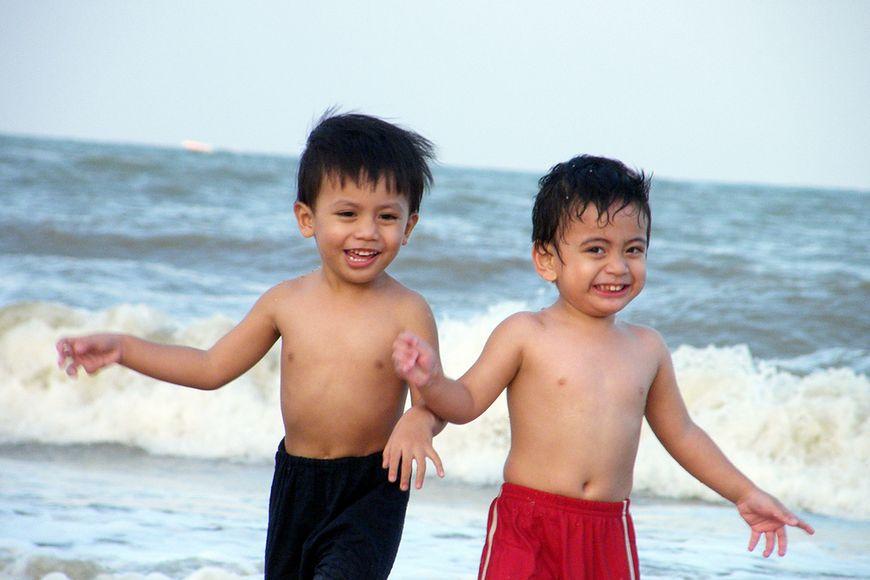 Bezpieczna kąpiel w morzu - dzieci