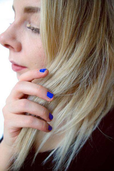 Kontrola elektryzowania się włosów
