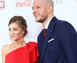 Bartosz Kurek z piękną ukochaną na czerwonym dywanie. Kim jest Anna Grejman?