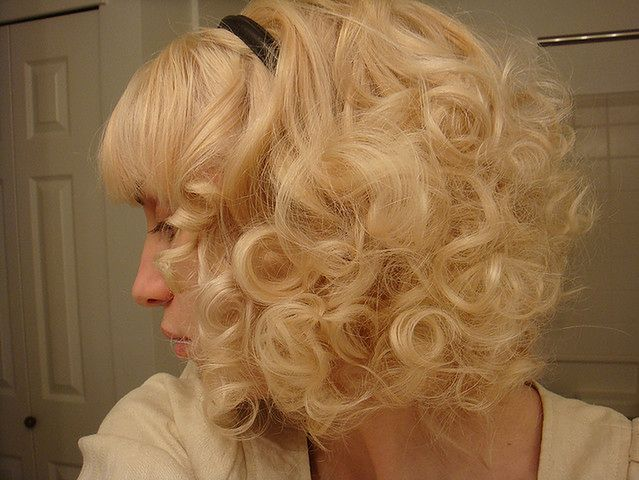 Stylizacja kręconych włosów