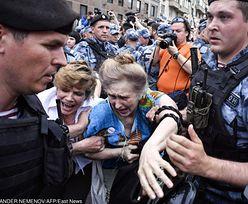 Moskwa. Ponad 400 osób zatrzymanych na pochodzie w obronie dziennikarza