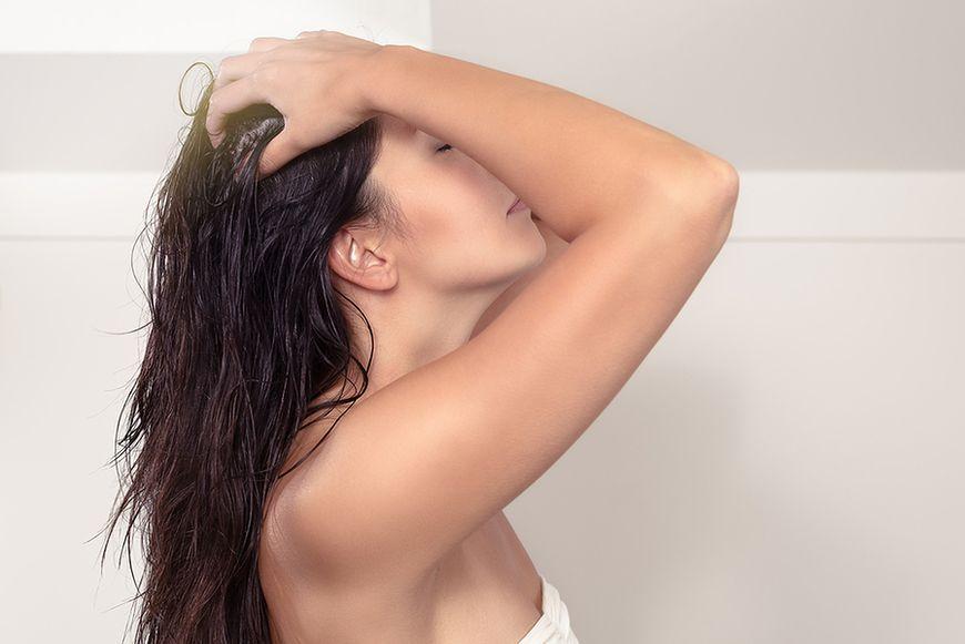 Do olejowania włosów