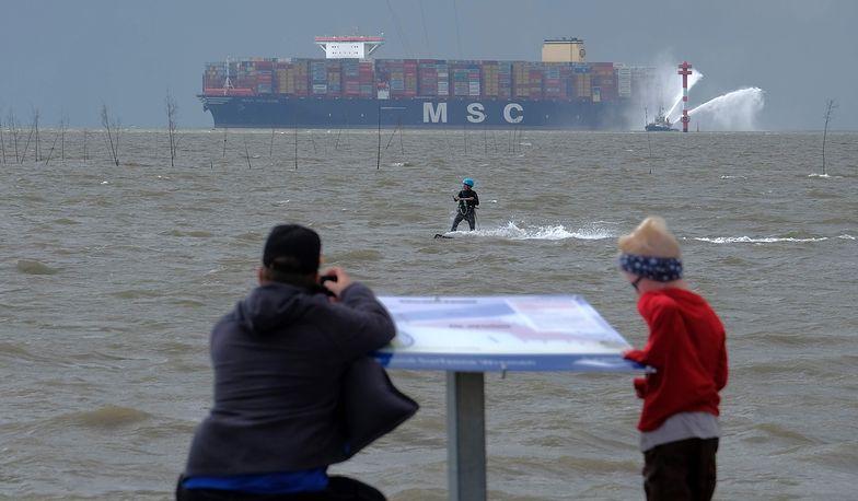 Na zdjęciu MSC Gulsun wpływa do niemieckiego Bremerhaven.