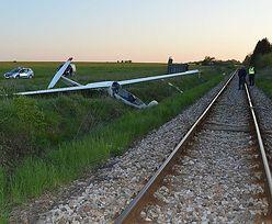 Wypadek szybowca. 16-letni pilot zaczepił o drzewo