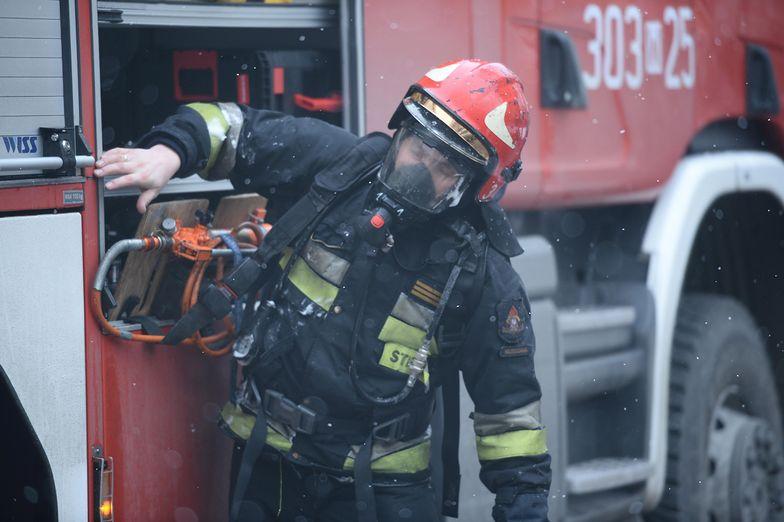 Ukrainiec rzucił niedopałek. Płonął hotel i 4 auta