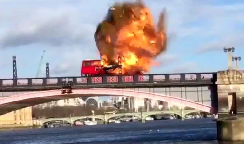 Eksplozja autobusu w Londynie. Zobacz nagranie