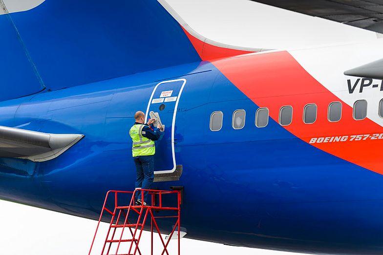 30-latek wypadł z samolotu po kłótni z załogą. Mężczyzna nie żyje