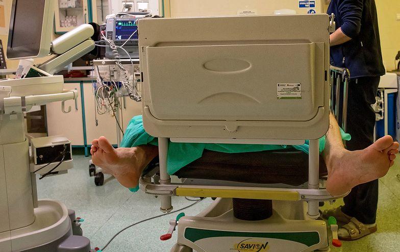 Agresywny 17-latek w łódzkim szpitalu. Próbował zarazić innych HIV
