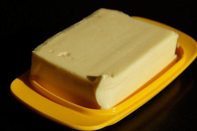 Mit: Masło jest dobre na poparzenia słoneczne
