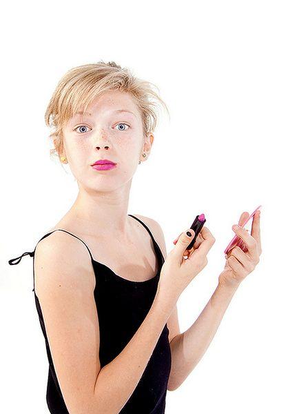 Nastolatka z makijażem